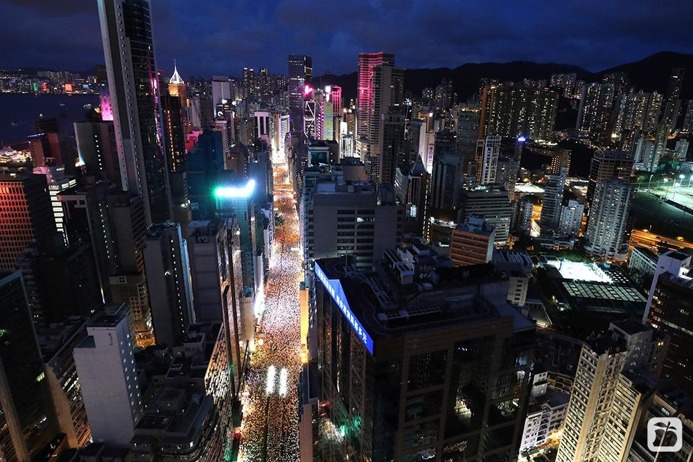 From @appledaily_hk, the most beautiful city night view #HongKong #NoExtraditionToChina