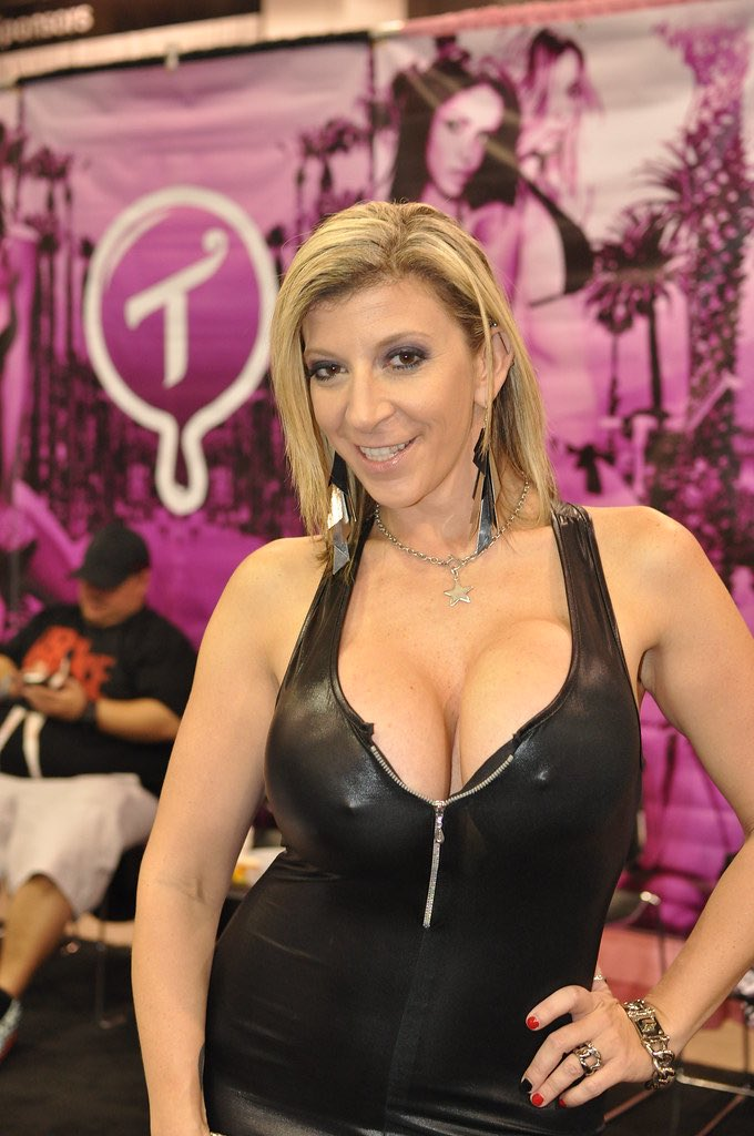 Sara Jay 3