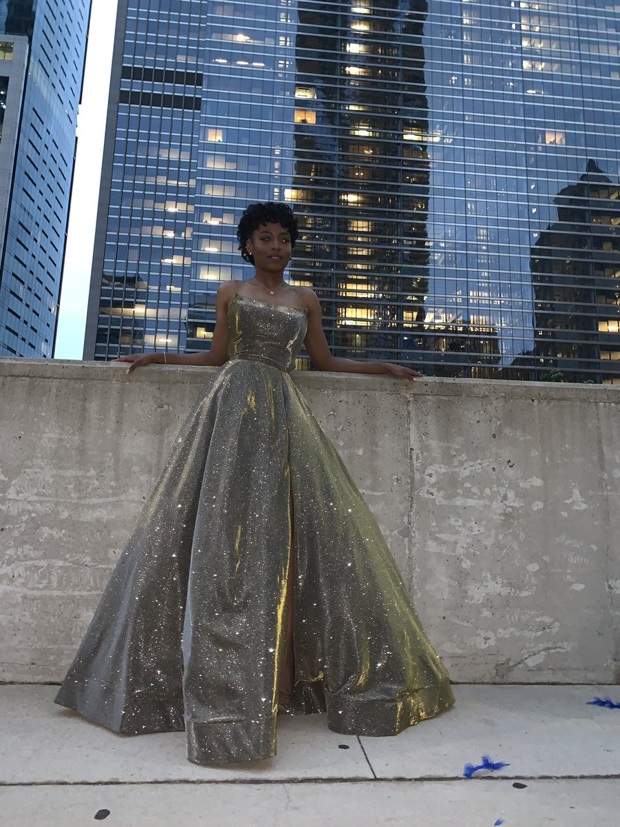 no such thing as too much glitter  #SetTheWoodOnFire #prom2k19<br>http://pic.twitter.com/Dj9AMsvVQd