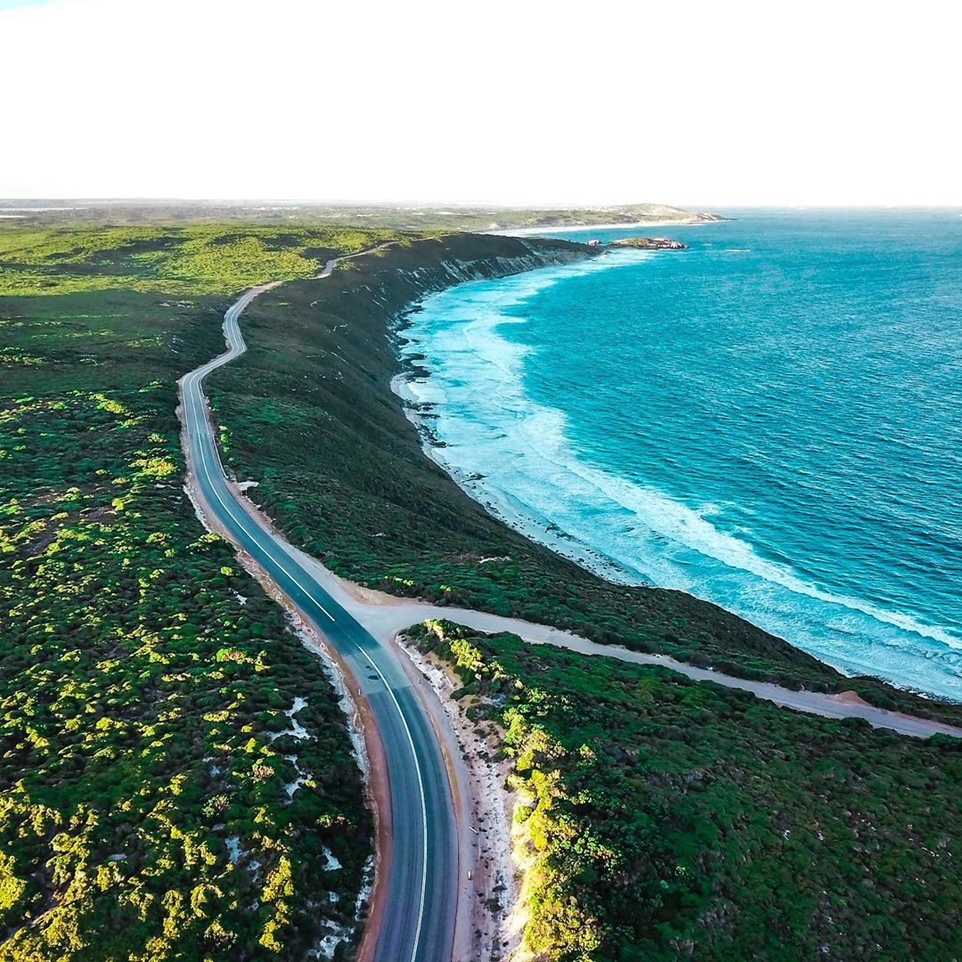 The best part about Winter in Esperance is that you can drive by and marvel at the beautiful beaches from the comfort and warmth of the car! The Great Ocean Drive is a 40km loop that takes in some of the most stunning coastal scenery you'll ever see. Pic: IG/saltydrifter