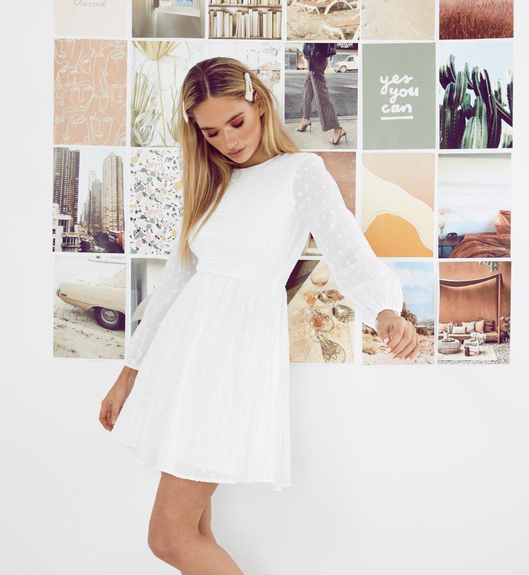 All white everything 🕊️ Our online exclusive escapade skater dress.   https://t.co/Zj77eFEbaZ https://t.co/6Y7YTGcIzM