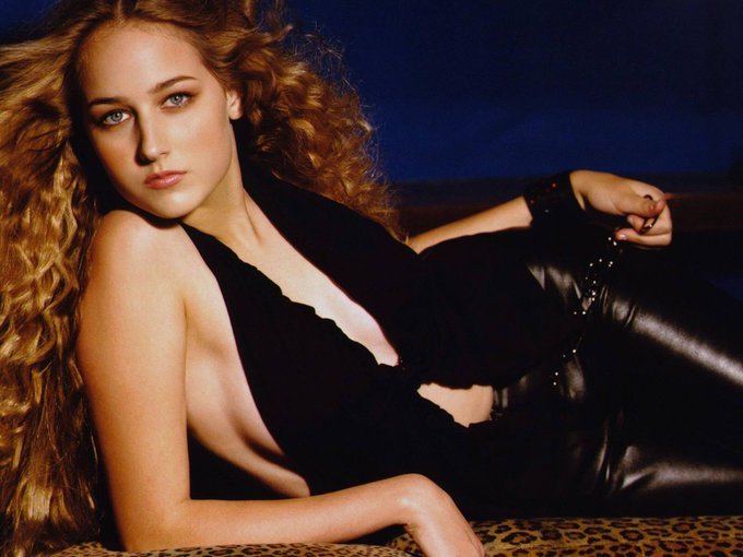 Happy Birthday to Leelee Sobieski who turns 36 today!