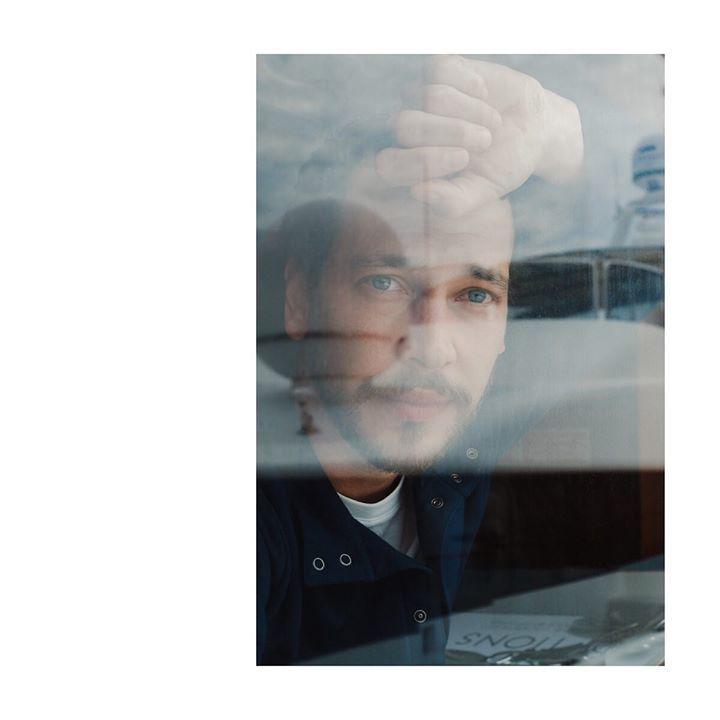 Le comédien Jonathan Couzinié sur le bateau #Arte pour le #film Les Héros ne meurent jamaisl réalisé par Aude Léa Rapin. ©Photo Bertrand Noël Assistante : Livia Borel #JonathanCouzinié #AudeLéaRapin #AdèleHaenel #AntoniaBuresi #HasijaBoric #LesHérosNeMeu… http://bit.ly/29GwSLt