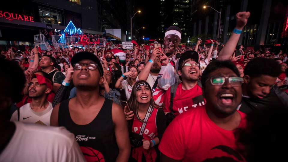 City preparing for huge crowds downtown for Game 5 of NBA Finals https://www.cp24.com/news/city-preparing-for-huge-crowds-downtown-for-game-5-of-nba-finals-1.4458723…