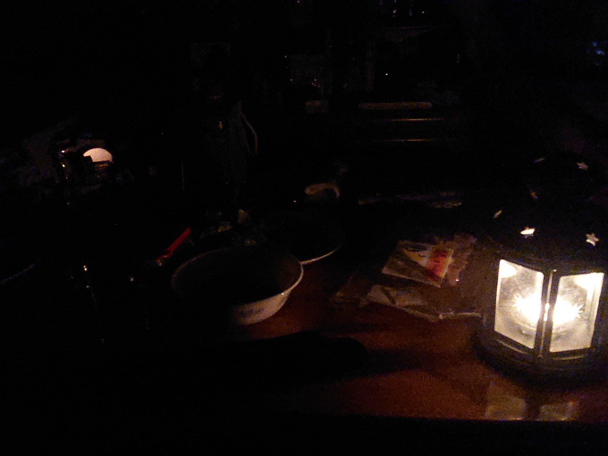 八潮市で4500軒の大規模停電が起きている現場画像