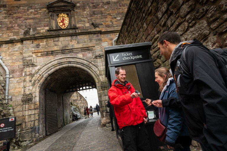 Planning a visit to see us soon? Book your entry tickets online for the best price and guaranteed entry! #EdinburghCastle ow.ly/4Kzp50uz3p4