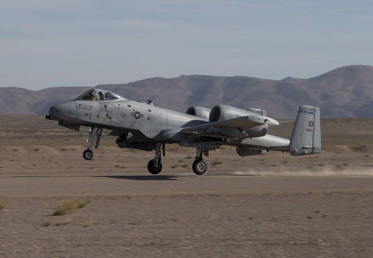 الوداع المؤجل - A-10 Thunderbolt II - صفحة 5 D8sm_XuWsAEjwti