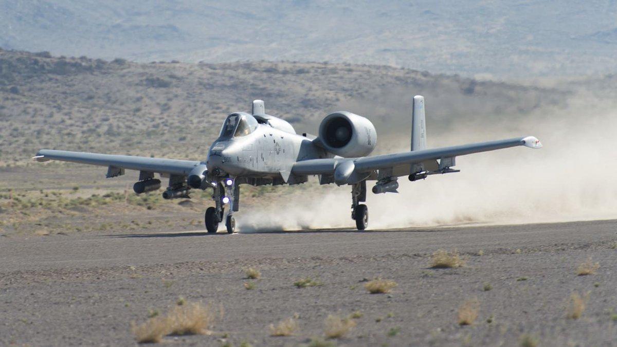 الوداع المؤجل - A-10 Thunderbolt II - صفحة 5 D8sm_XvWkAUuzk0