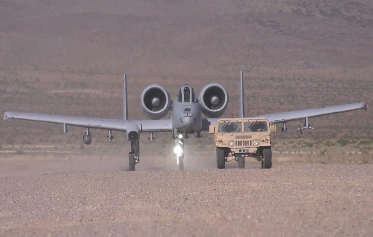 الوداع المؤجل - A-10 Thunderbolt II - صفحة 5 D8sm_Y4W4AAizDg