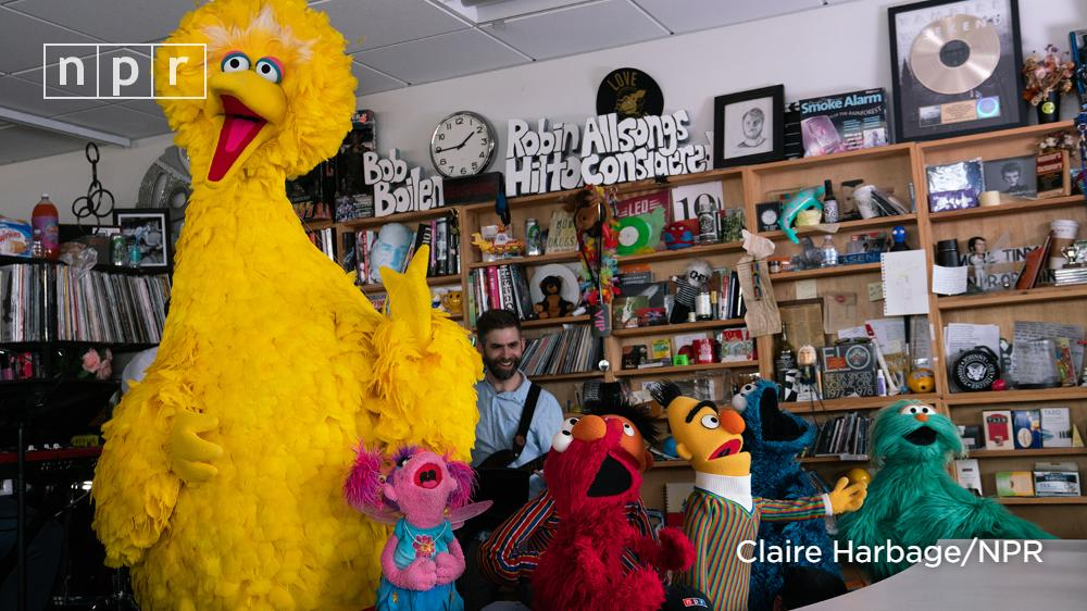 Watch the #TinyDesk performance: The @SesameStreet crew, including Elmo, Grover, Big Bird and Cookie Monster, visited @NPR HQ in Washington, D.C., to celebrate 50 years of learning and laughter.  https:// n.pr/2R2BnCO    <br>http://pic.twitter.com/UMhdCs2YIL