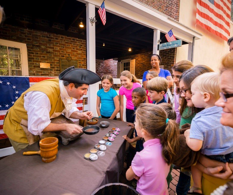 Pick yourself up with a warming Colonial hot chocolate on a wet Monday! @Choc_History is at the Betsy Ross House in #OldCityPhilly for a free chocolate-making demonstration from 11am- 4pm today  #flagfest #americanheritage #visitphilly #discoverphl<br>http://pic.twitter.com/8VEQ3LzElQ
