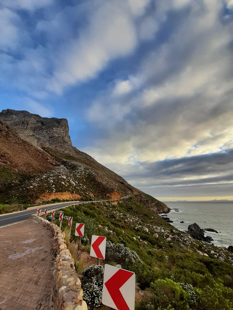 Random thought: R44 in South Africa, getting to Gordon's Bay through the Garden Route, beat the N222 in Porto, Portugal as best road in the world for me. Such a fantastic place to drive. What a view!