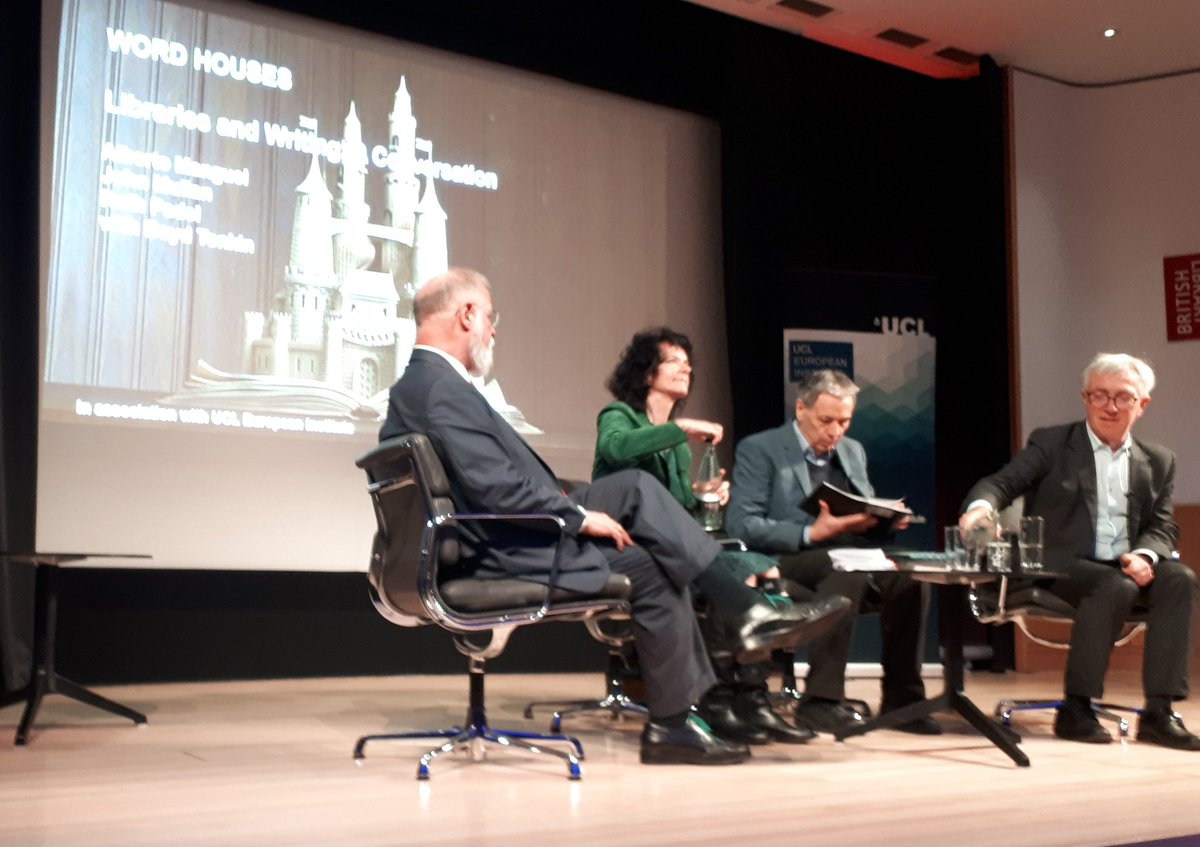 @britishlibrary #MakingYourMark Panel 4. Explorers of Word Houses! Alberto Manguel, John Mullan, & Ruth Padal. Fascinating conversation on why #librariesmatter<br>http://pic.twitter.com/tFbjUetqIg