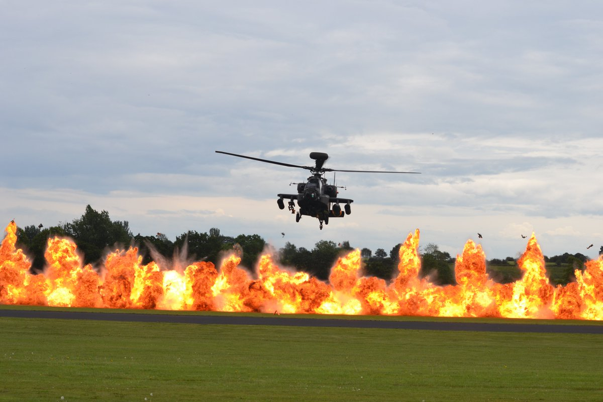 Some photos of @ApacheDisplay at @cosfordairshow on Sunday taken by my 12 year old son Ethan #attackhelicopter #apachehelicopter #Apache @RAF_Cosford @BritishArmy
