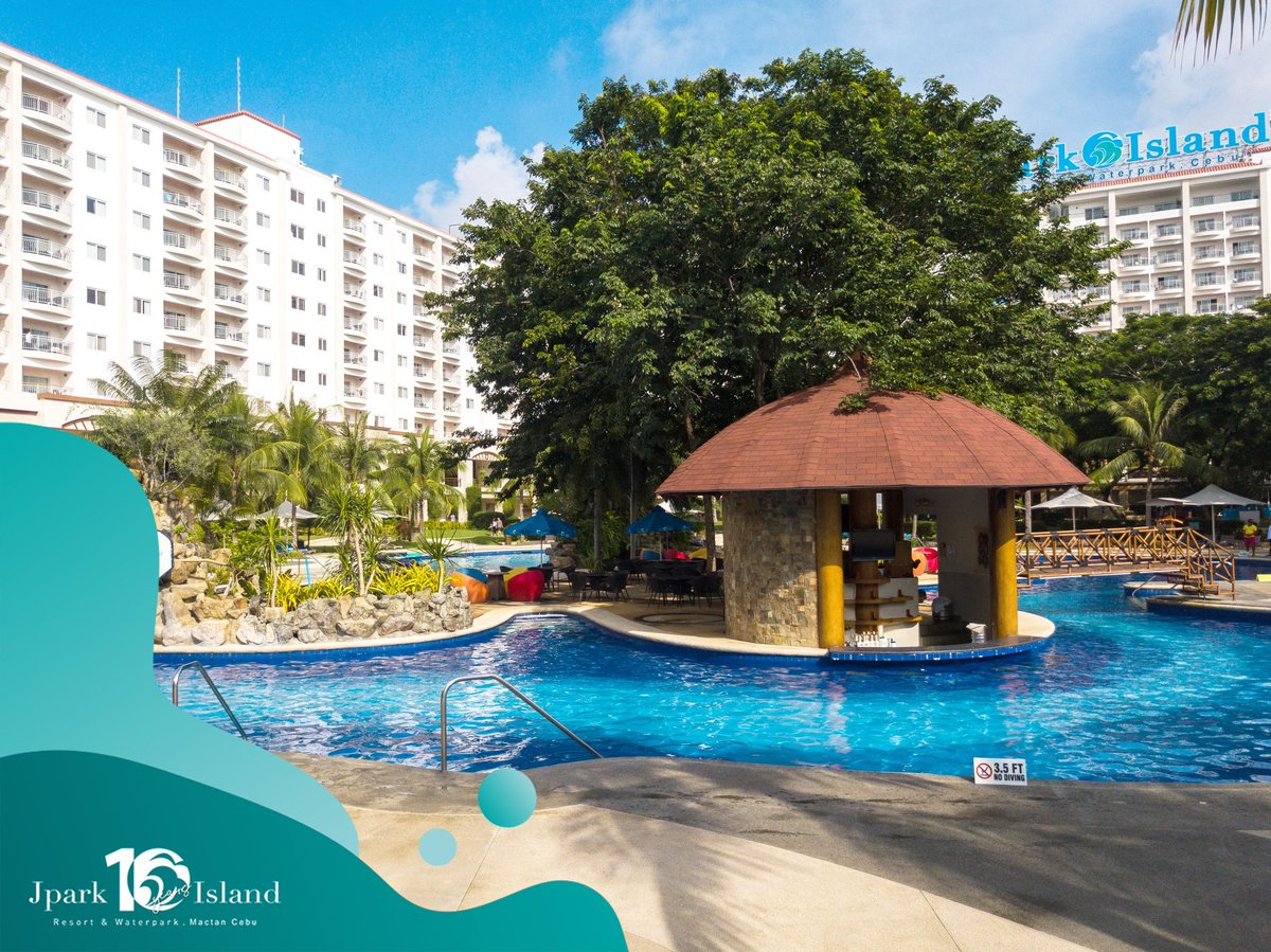 Stay cool and enjoy the pool. We are serving refreshments right before you!  Visit: https://t.co/IQsYMAm7kn.  #MyJparkStory #WaterYouWaitingFor  #TenYearsOfJpark https://t.co/onDTP2NmvV