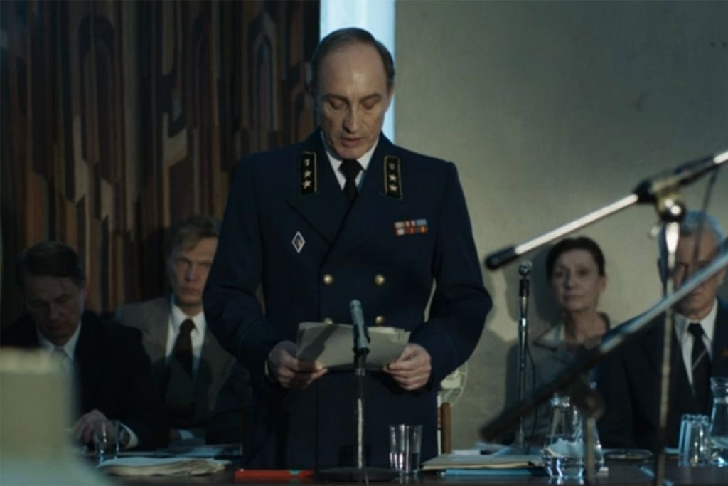 I was surprised to see Lord Bolton appear in #Chernobyl. Guess he didn't die at Winterfell.