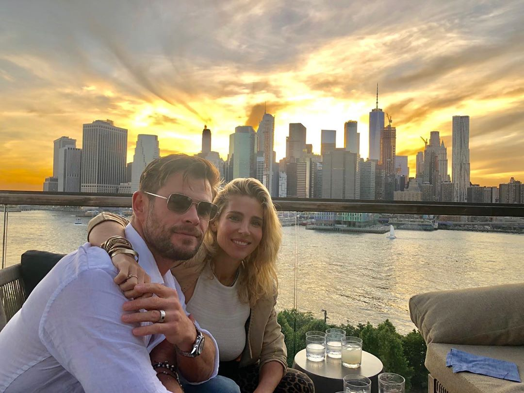 NYC putting on quite a sunset 😮✌️😃 @ElsaPataky_ @MenInBlack