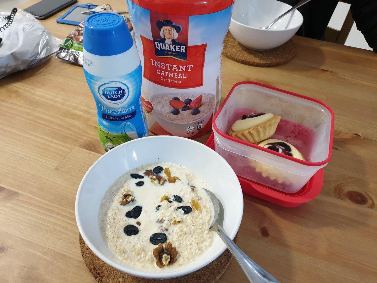 Selamat pagi. Jangan lupa breakfast ya kawan2... 😊