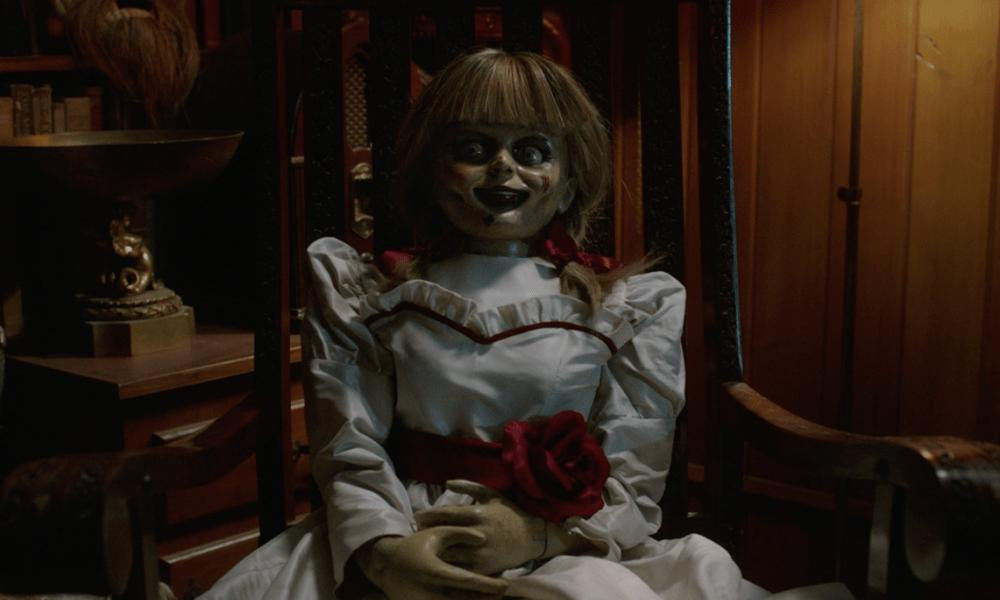 """Ed and Lorraine Warren's """"Real"""" Daughter is Terrified of the 'Annabelle' Doll [Video]   Bloody Disgusting https://buff.ly/2WXEBgn  #edandlorrainewarren #annabelle #annabelldoll #theconjuringuniverse #jameswan #horror #horrormovie #bloodydisgustingpic.twitter.com/1Tvw7bF7Eh"""