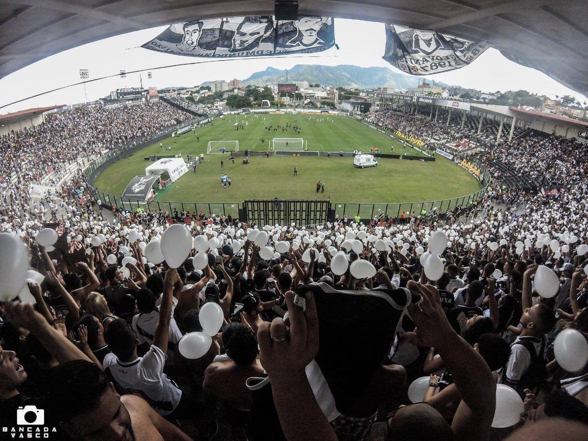 Torcedores fazem arrecadação para a compra de balões, apitos e fumaça para o jogo contra o Ceará em São Januário. A festa será linda, vamos apoiar nosso gigante.  Para mais informações: 021980233208 (Fabricio Olmo)  📷 @bancadavasco https://t.co/aVT7l38VFy