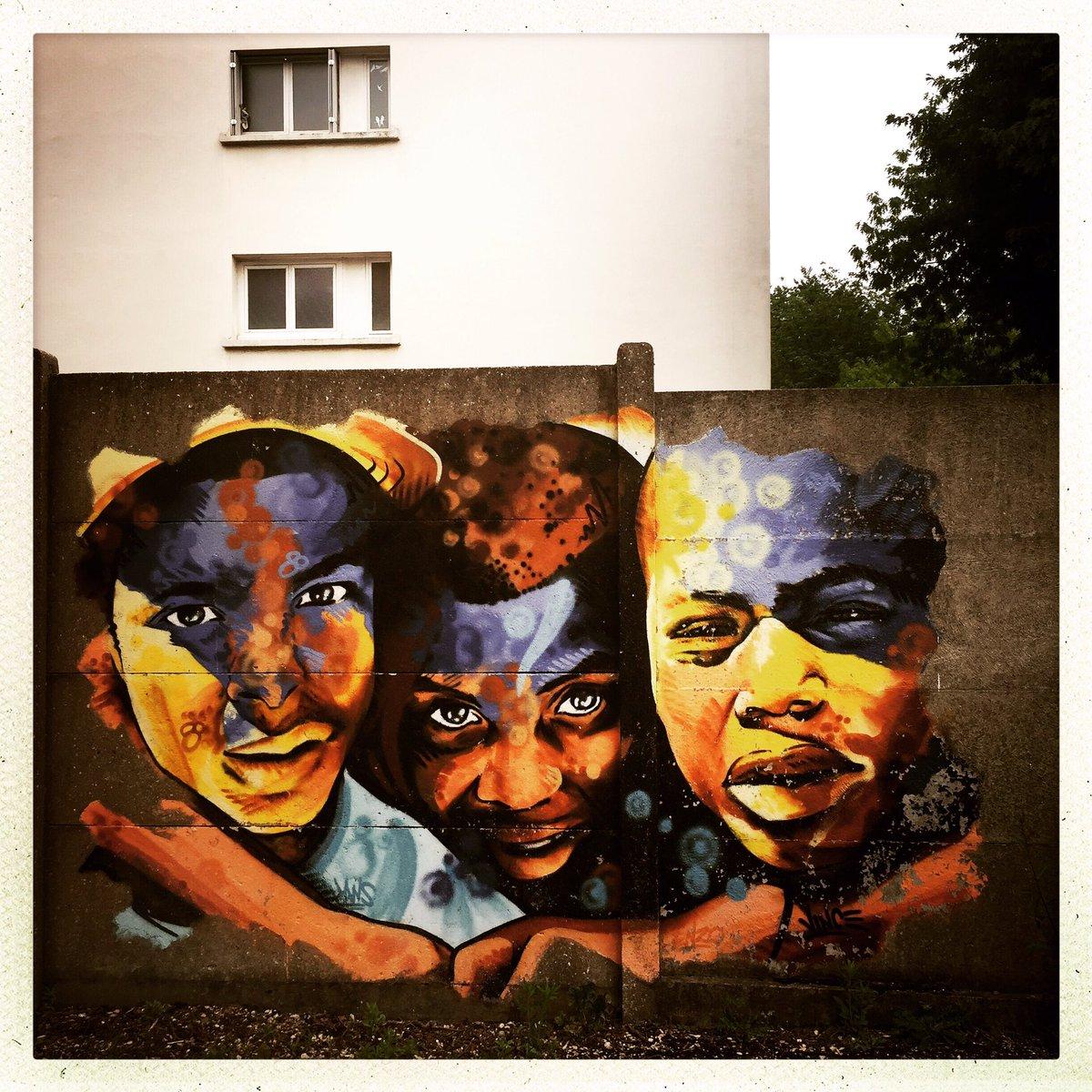 RT @102bis: Au fil des pas : #grandparis. Rosny-sous-Bois. #streetphoto #streetphotography #StreetArt https://t.co/YvxsMBguAW