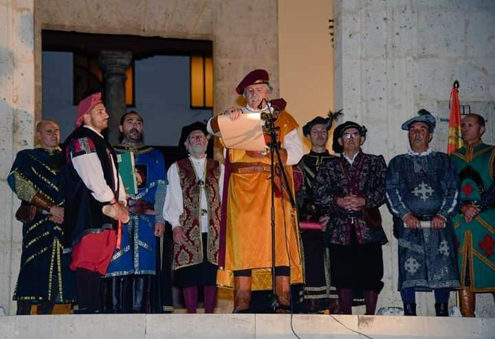 """🌐 Inolvidable noche, llena de emociones en la representación del """"Día del Tratado de Tordesillas"""". Gracias José Luis y Montse por vuestra implicación y buen hacer.  Enhorabuena al CIT de Tordesillas, a todos los voluntarios y a todas las personas que lo han hecho posible."""