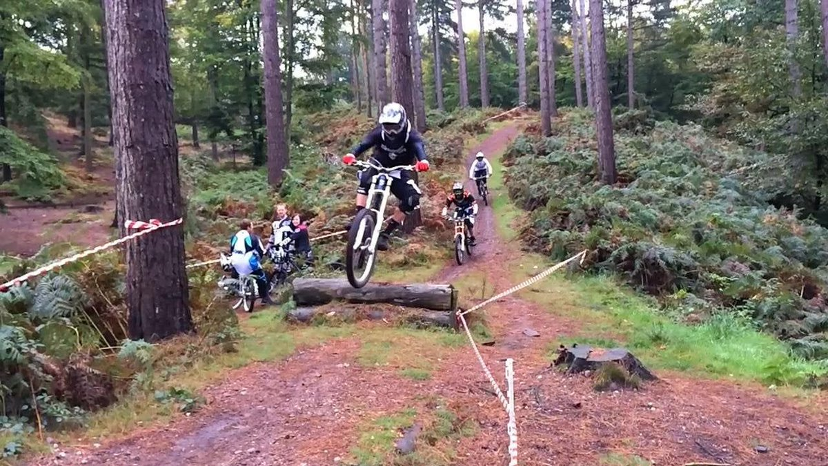 #CannockChase hides miles and miles of mountain biking trails that are free to use and accommodate every level of skill. Even away from these routes, much of Cannock Chase is also perfect for a scenic, more relaxing cycle ride with the family #BikeWeekUK http://bit.ly/2wENhcR