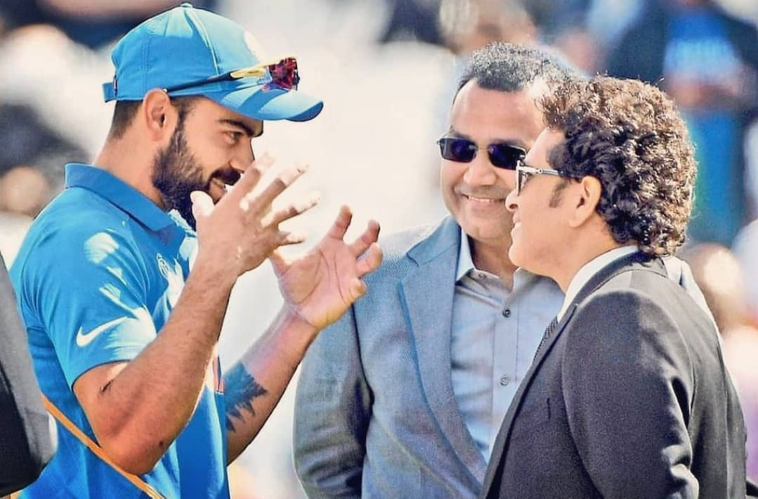 Some pictures indeed are special. 😃😇@sachin_rt @virendersehwag