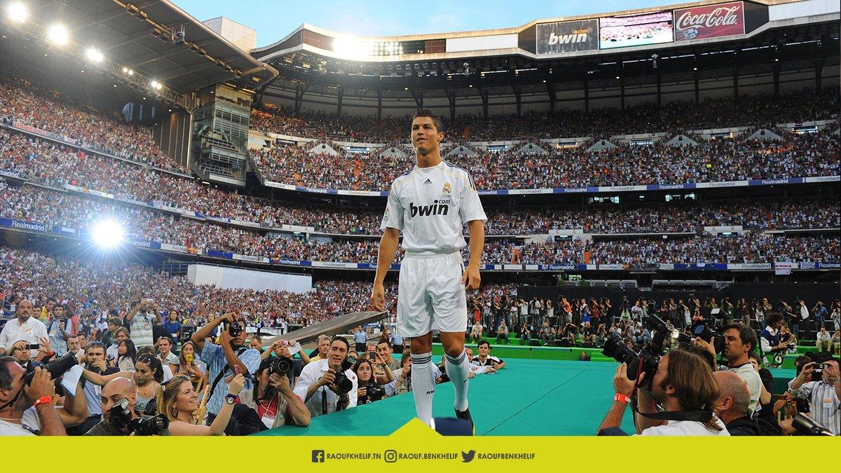في مثل هذا اليوم منذ 10 أعوام .. وافق كريستيانو رونالدو على الانضمام للملكي ريال مدريد .. و ما بعد ذلك تاريخ كرة القدم يشهد عليه ✍