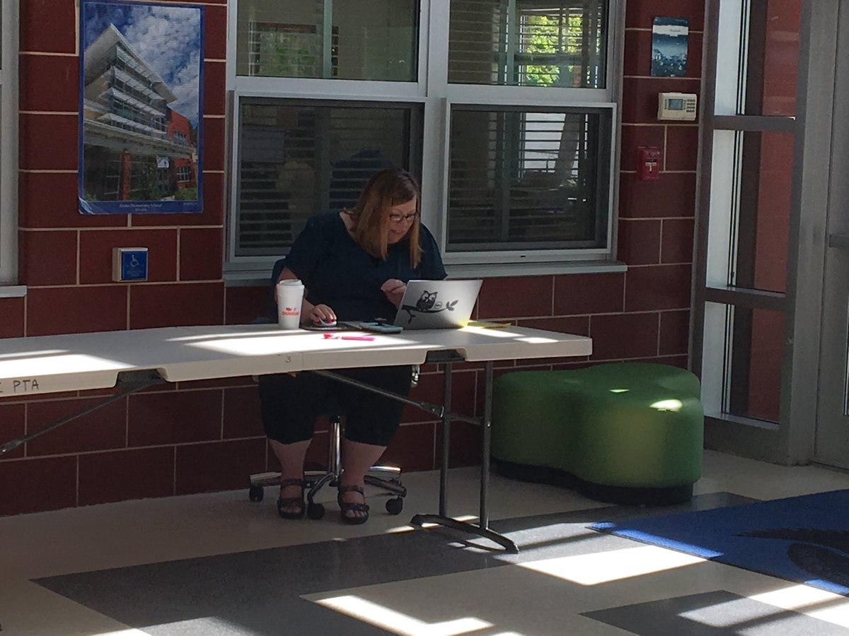 Ms. Borg conducting daily work in front hall, as she greets voters at Glebe. ⁦<a target='_blank' href='http://twitter.com/GlebeAPS'>@GlebeAPS</a>⁩ ⁦<a target='_blank' href='http://twitter.com/glebepta'>@glebepta</a>⁩ <a target='_blank' href='https://t.co/l3RzidmBOh'>https://t.co/l3RzidmBOh</a>