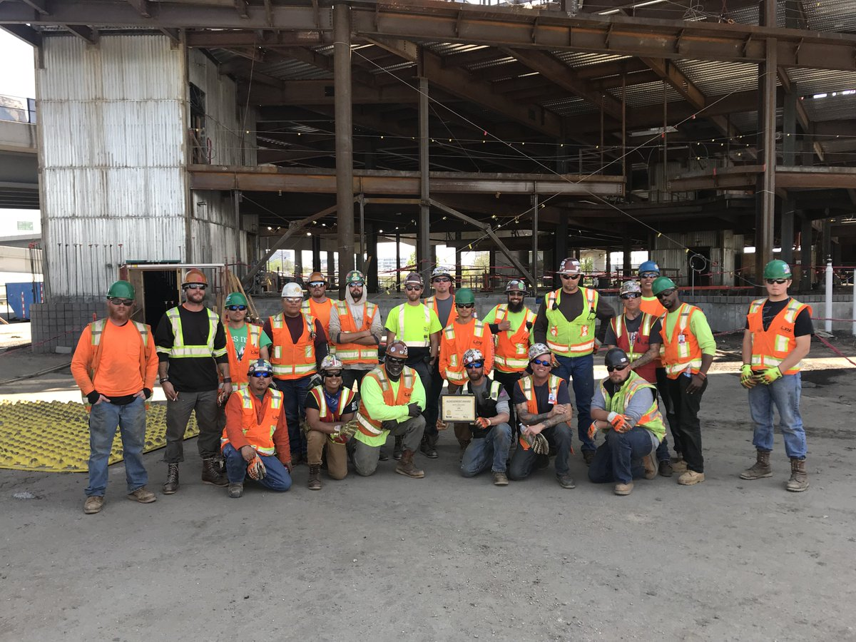 Turner Construction has recognized the Meow Wolf project crew for their Safety Excellence! Great work team!