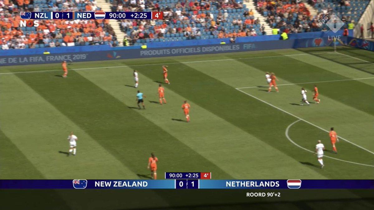#Oranje #Leeuwinnen met de hakken over de sloot, 0-1 in de blessuretijd tegen New Zealand #wkvrouwen #nlzned https://t.co/09vNOiCrUN