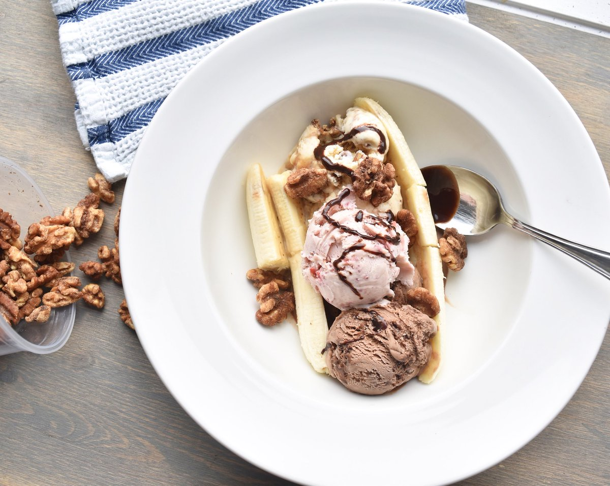 The banana split has always been a pretty great way to enjoy ice cream  and we make one with a twist. Check out the full recipe at http://fourall.ca/blog ⠀⠀⠀⠀⠀⠀⠀⠀⠀ .#fourallicecream #diy #tryathometuesday #smallbatch #buylocal #buylocalkw #kwawesome #explorekw #dtkpic.twitter.com/eiVb16LKWY