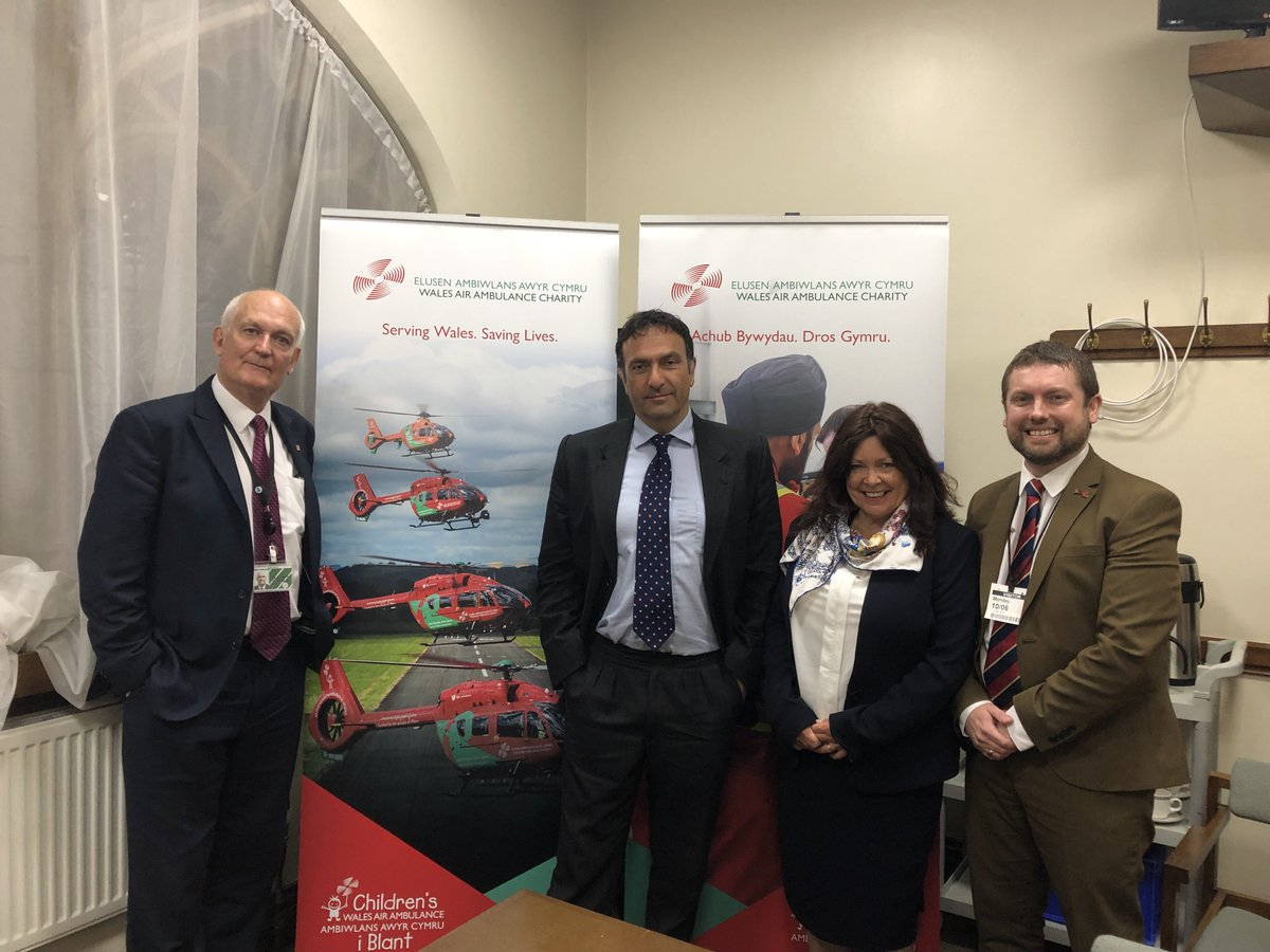 Thank you to Prof David Lockey, Angela Hughes & Steven Stokes of @air_ambulance for visiting Parliament yesterday & speaking of all the excellent & essential work the service carries out - 127 operations in Denbighshire alone last year https://t.co/9hV39YKOi7
