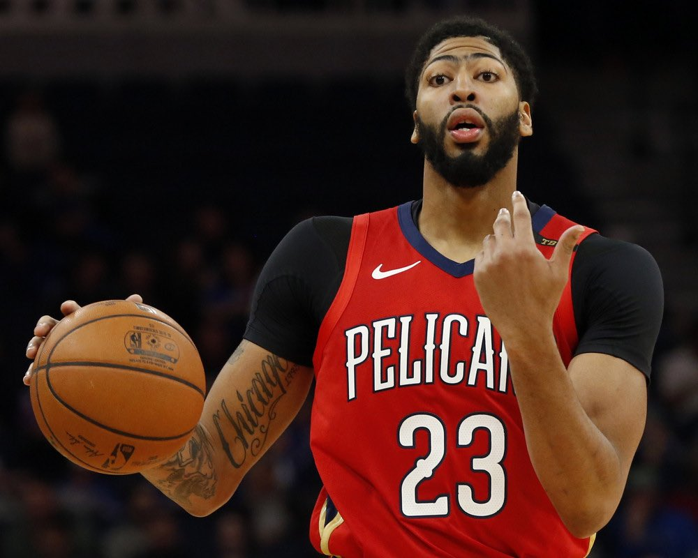 """Some members of the Knicks organization are """"uncomfortable with the idea"""" of trading significant assets for Anthony Davis, per @SNYtv"""