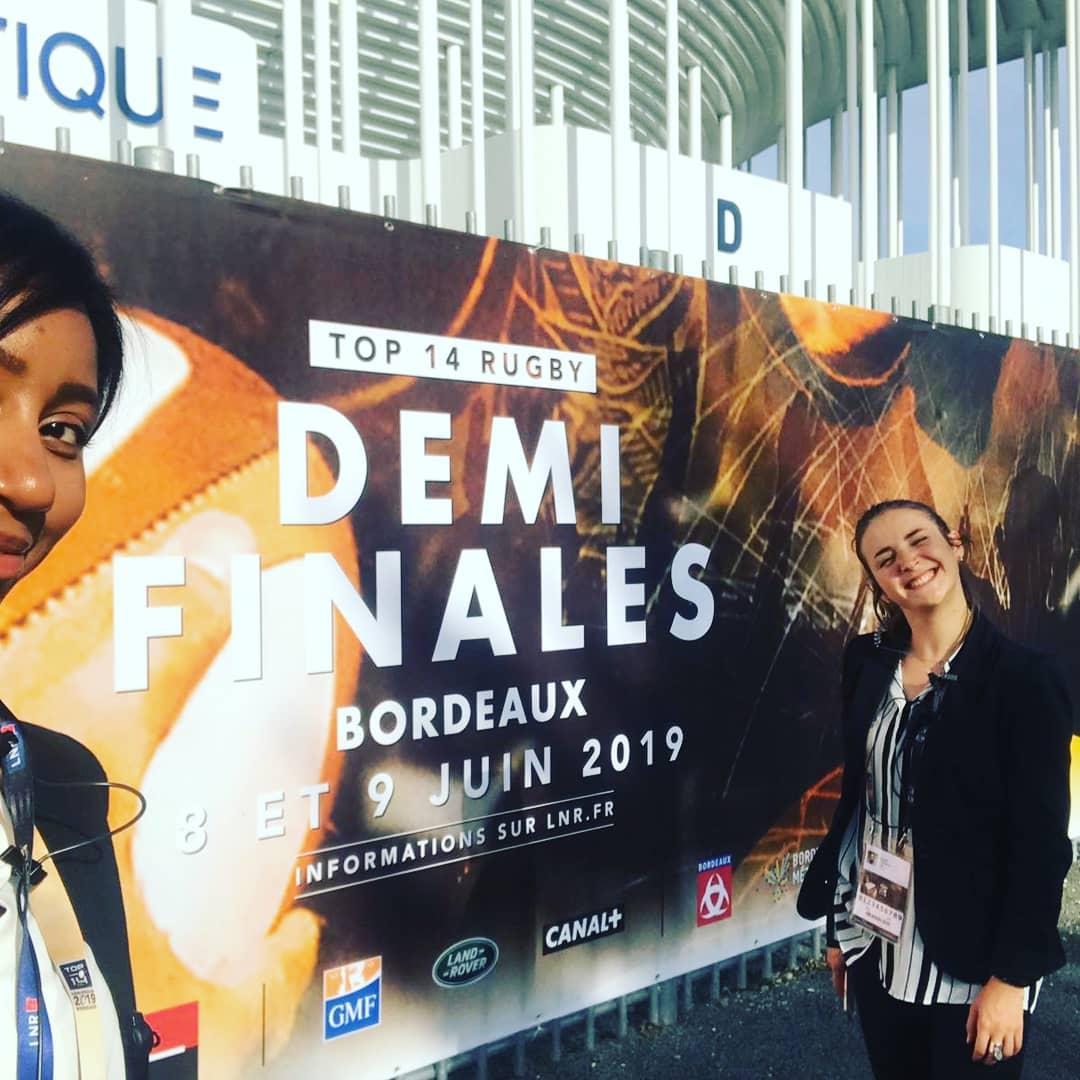 Retour en images sur la #DemiesTOP14 du @top14rugby qui se déroulait a #Bordeaux au #stade @MatmutAtl! 🏈 Plusieurs AMOSciens ont pu participer à l'organisation à travers différentes missions! Une expérience enrichissante pour nos étudiants! 👌