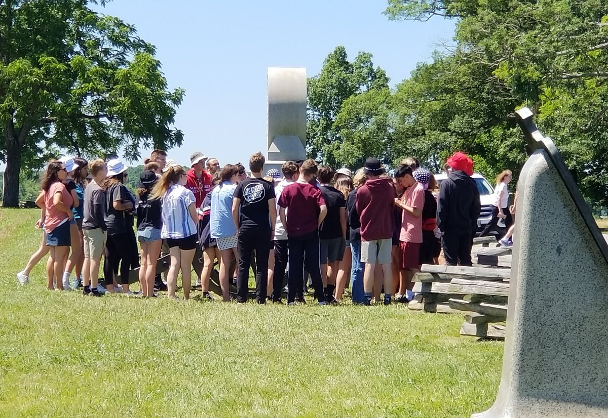Our great @BrightsparkTour group from #SouthernCalifornia is enjoying @GettysburgNMP in #PA. #potomactours #8thgradetrip #seetheusa #studenttours #gettysburg #gettysburgnationalmilitarypark<br>http://pic.twitter.com/u36y38j1Sa
