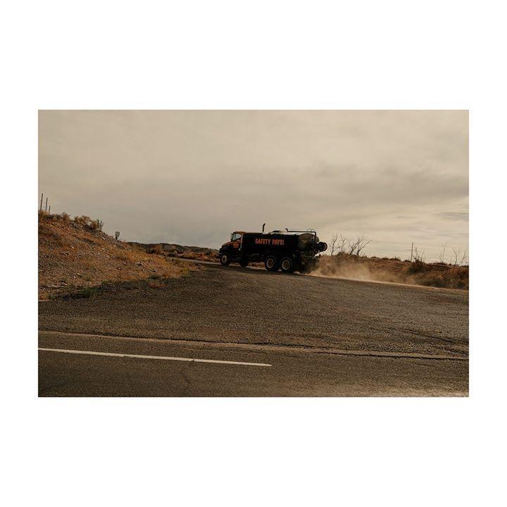 SAFETY PAYS! #usa #california #road #desert #truck #roadtrip #travel #instatravel #travelling #traveling #traveler #travelphotography #traveltheworld #explore #portra400 #passionpassport #discoverearth #iamatraveller #theculturetrip #photography #landsca… http://bit.ly/29GwSLt