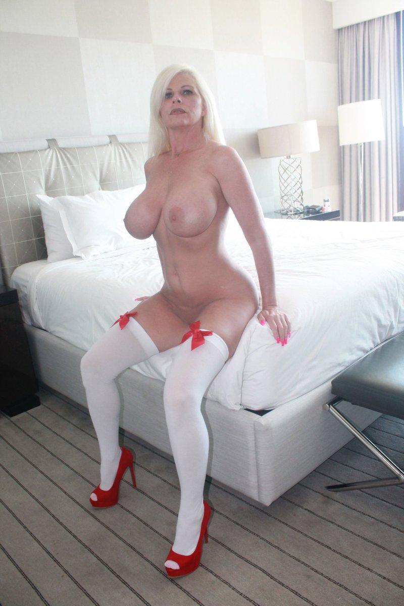 Nina monroe escort