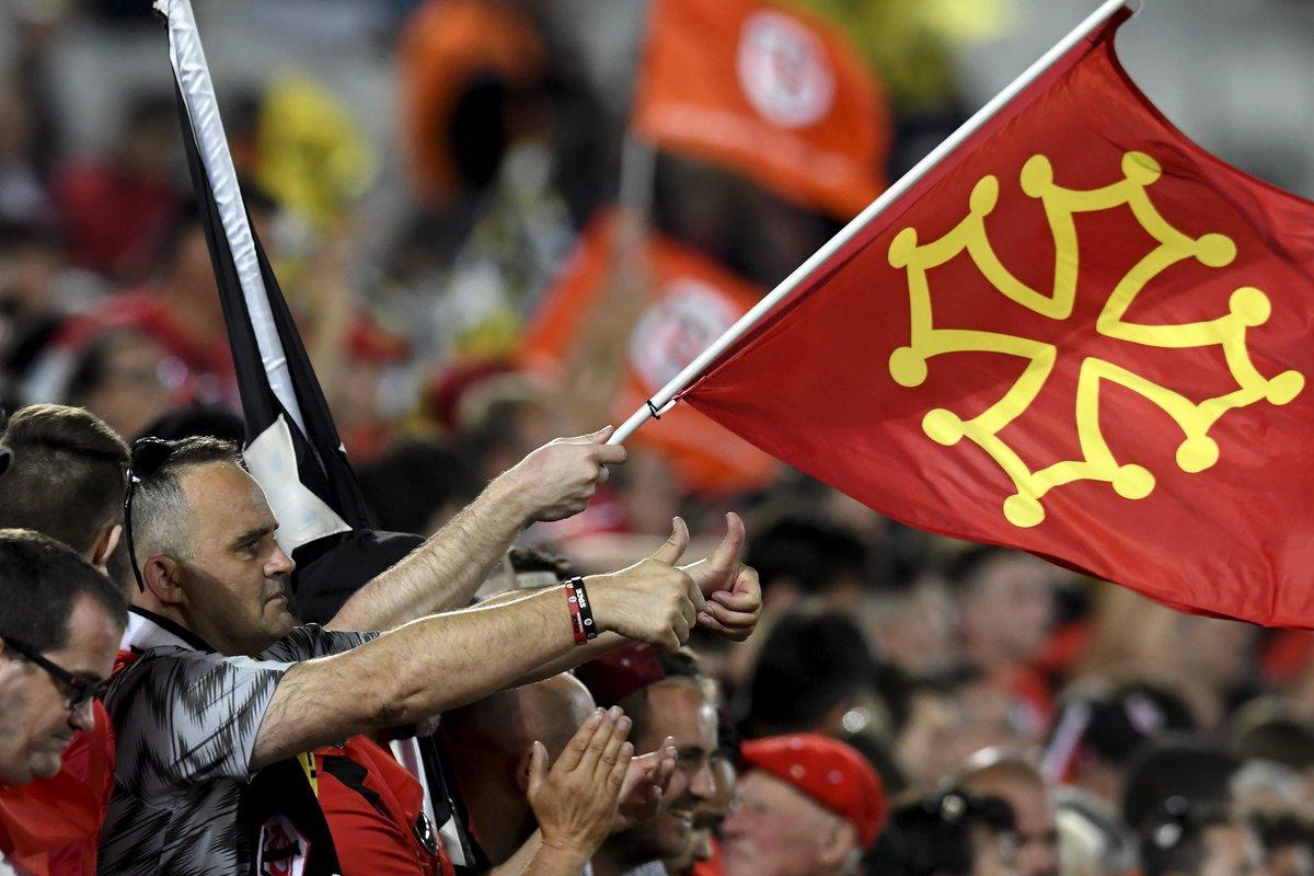 🏉 #FinaleTop14 - Le grand respect des supporters du @StadeToulousain pour ceux de @ASMOfficiel   #STASM #rugby #Fbsport   https://www.francebleu.fr/sports/rugby/finale-top-14-le-grand-respect-des-supporters-du-stade-toulousain-pour-ceux-de-clermont-1560281784…