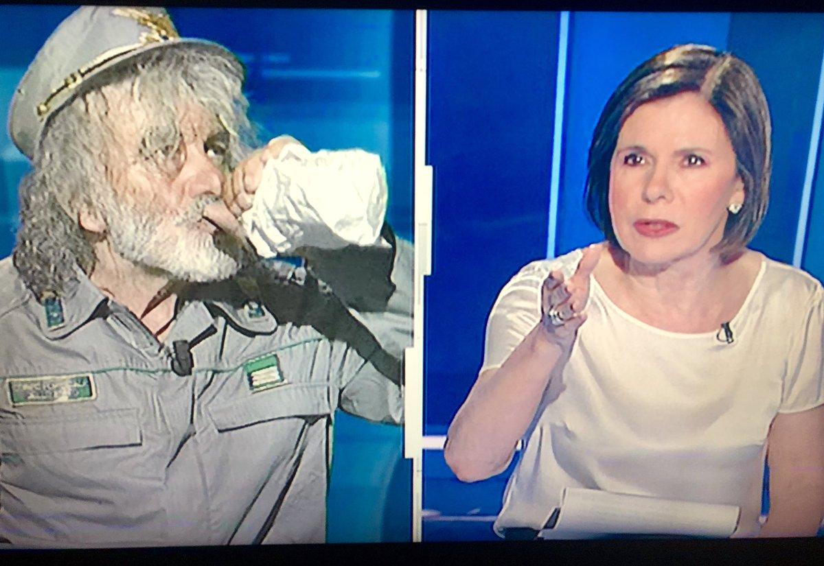 ragazzi se non avete visto stasera #cartabianca vi siete persi un pezzo di storia della televisione