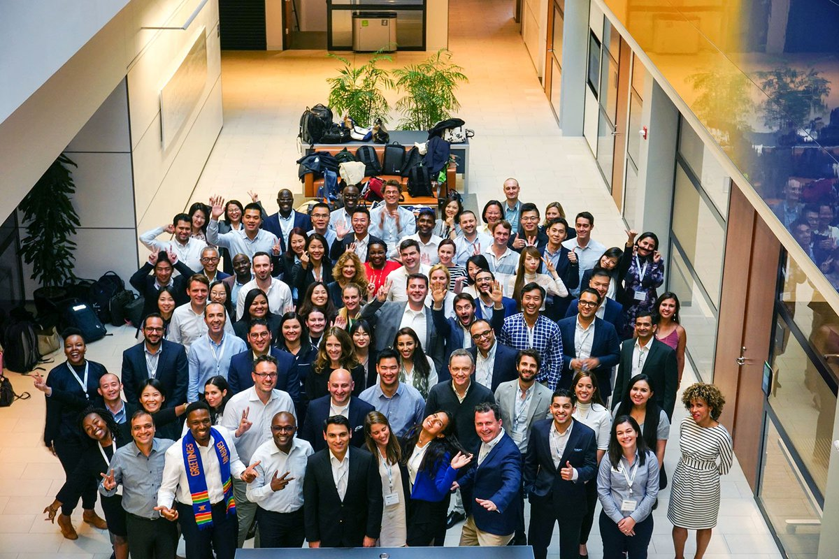 Welcome to our Executive MBA students from across the globe who are on campus this week taking part in #GNW2019, studying the Behavioral Science of Management. Photo by Joe Chao '19 Participating @AdvancedMgmt schools & courses: yalesom.io/2WB3QFX