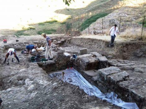 Alla scoperta dell'antica Troina, via agli scavi archeologici dell'Università di Messina - https://t.co/97uU3YxYEa #blogsicilianotizie