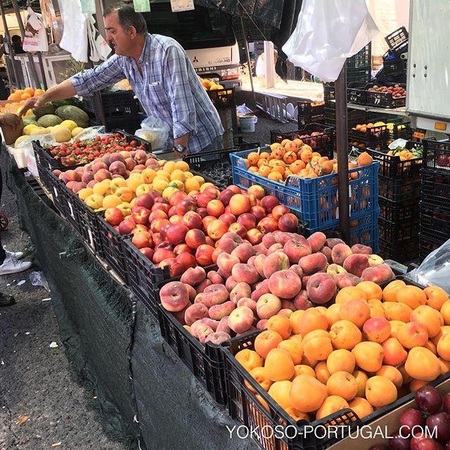 test ツイッターメディア - リスボンのMarvila地区で、毎週日曜日7時から14時まで開催されるマーケット、Feira do Relógio。観光化されていない地元密着型青空市場。衣料品からフルーツまで何でも揃います。食事も出来るフードトラックも出店してます。 #リスボン #ポルトガル #市場 https://t.co/dOhXX6gjXP