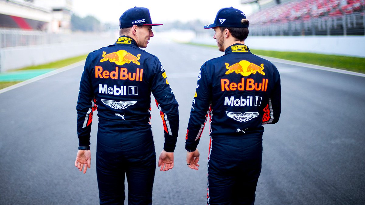 Home for some hot laps  It's time for the Bulls to preview the #AustrianGP   https:// win.gs/AGP19Prev     #F1 <br>http://pic.twitter.com/oi1nwbIQAA