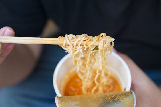 #DYK that instant noodles are pre-cooked with #palmoil to make it easy for you to prepare them with just hot water? Learn what other products make use of #sustainable palmoil! http://bit.ly/2GiBC6F