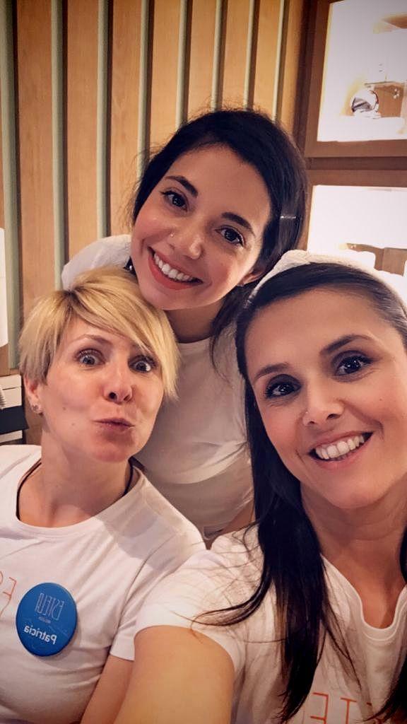 ¡Así de sonrientes os esperamos!. En la foto: Patri, Miriam y Davi.  #equipazo #chicasestela #nosesilotengoolosueño #GRACIAS #eltrabajoenequiposiempresalemejor
