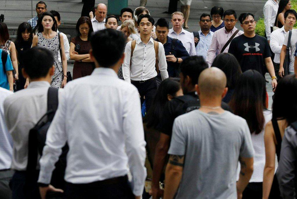 Singapore aims to create 10,000 tech jobs in three years  https:// reut.rs/31RHSNW    <br>http://pic.twitter.com/BqjurEChKU