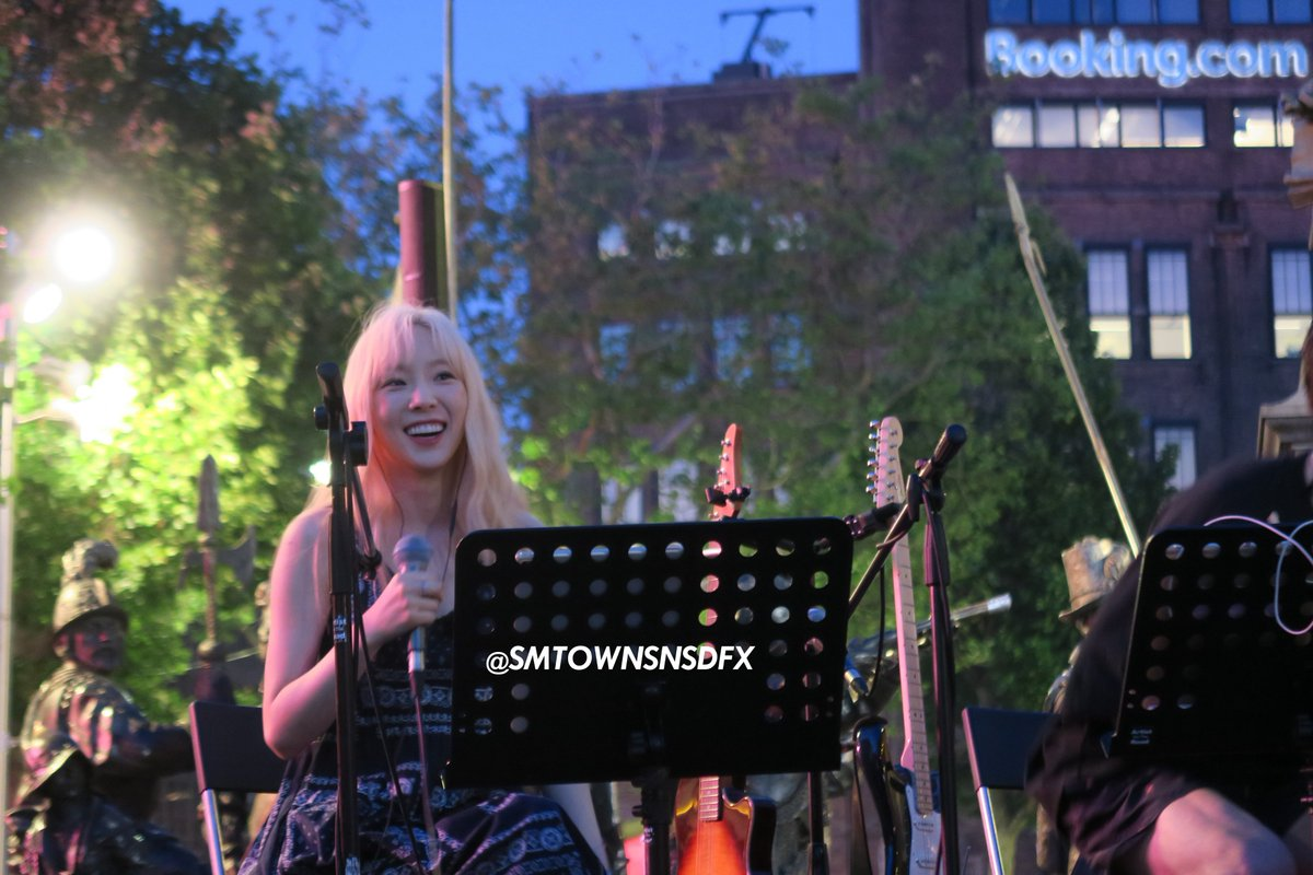 [PHOTO] 190625 Taeyeon @ Rembrandt Square in Amsterdam D9-vJs4W4AACwNE