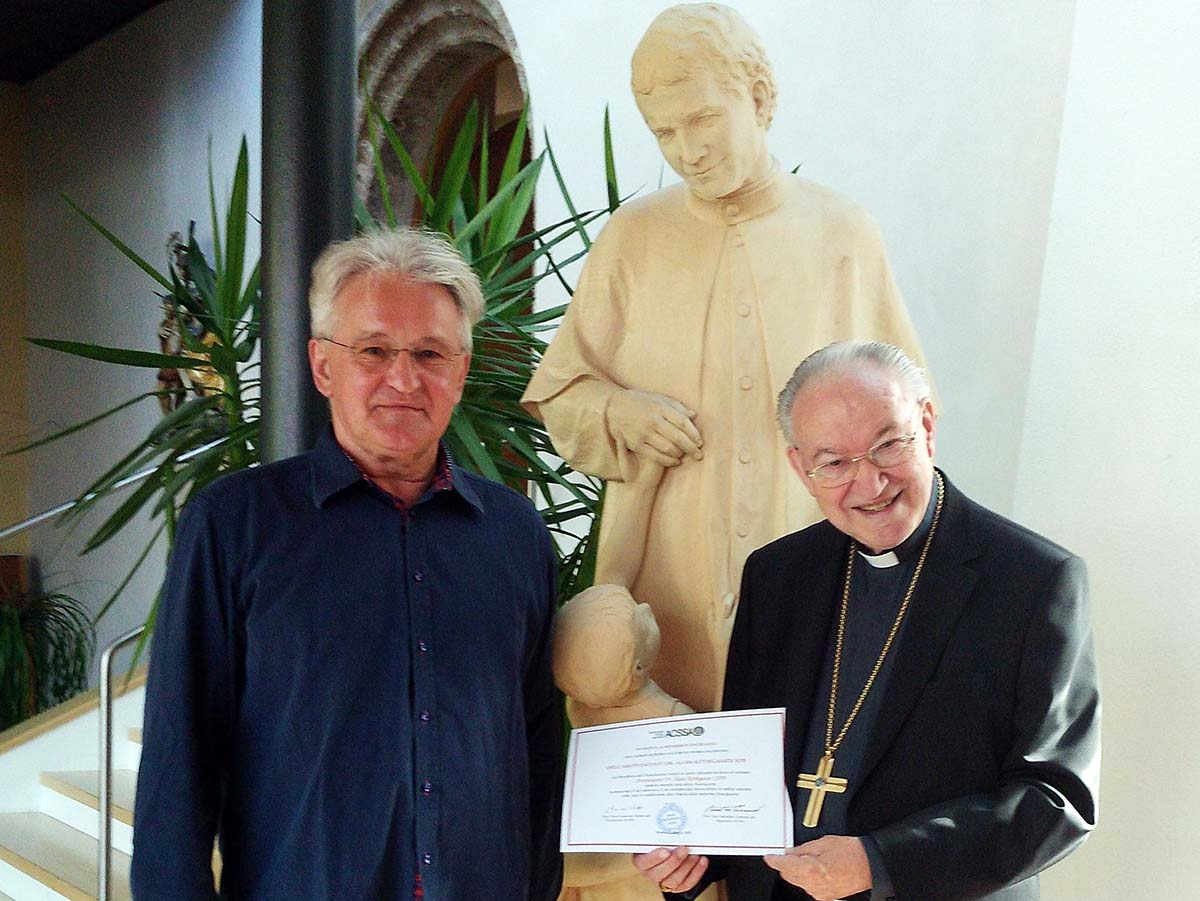 Austria - Archbishop Kothgasser, SDB, appointed honorary member of ACSSA https://t.co/Sgxx3abAGV https://t.co/ugqKuMHk4X